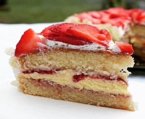 Yumuşak Kremalı Pasta