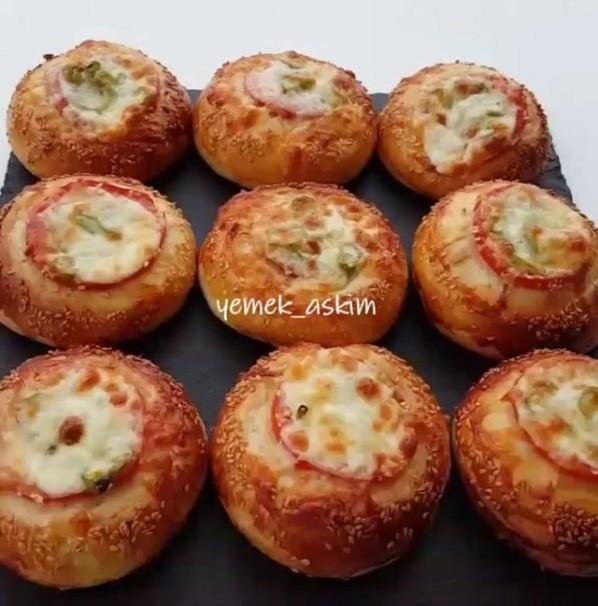 Pizza Poğaç Tarifi Nasıl Yapılır?