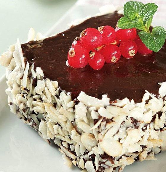 Frenk Üzümlü ve Çikolatalı Pasta Tarifi