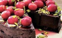 Kirazlı ve Çikolatalı Pasta Tarifi